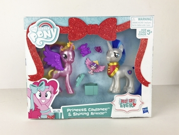 MY LITTLE PONY BEST GIFT EVER PRINCESS CADANCE AND SHINING ARMOR.jpg