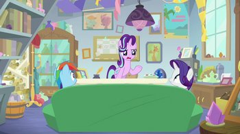 Starlight__'talking_out_your_problems_'_S8E17.jpg